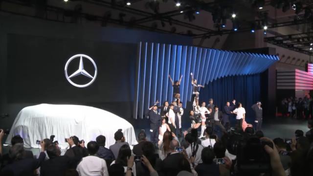 東京モーターショー2015 メルセデス オープニングアクト