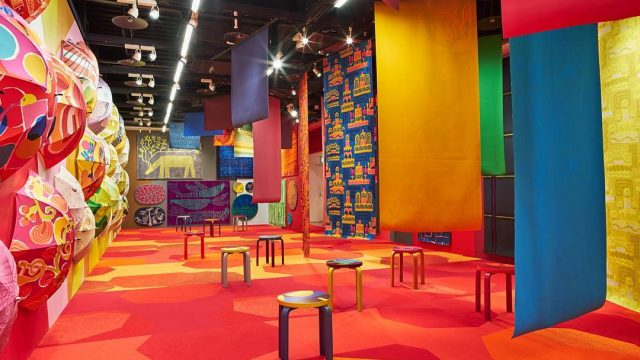 鈴木マサルのテキスタイル - 目に見えるもの、すべて色柄 -